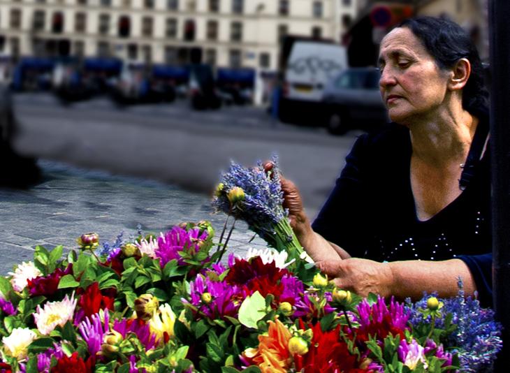 2007-07-21 - Paris Photographs - Flower Woman