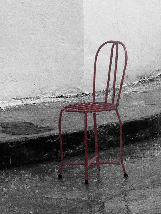 2011-12-02 - Havana Daytime - Red Chair in Rain Storm - Regla