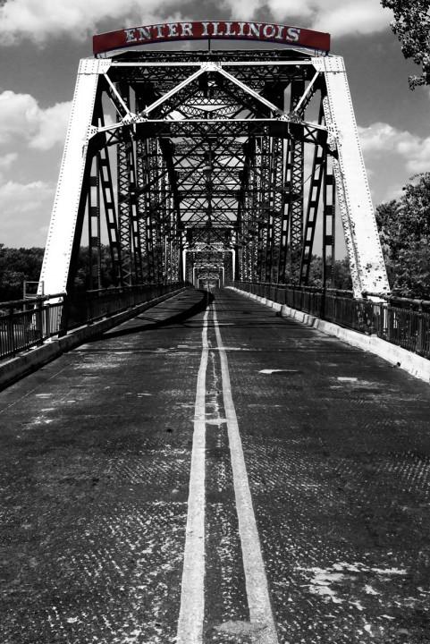 2012-05-26 - New Harmony Bridge into Illinois