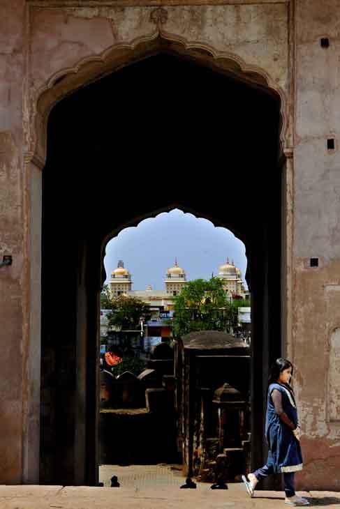 2013-03-22 - Agra to Panna - Street Scenes - 36